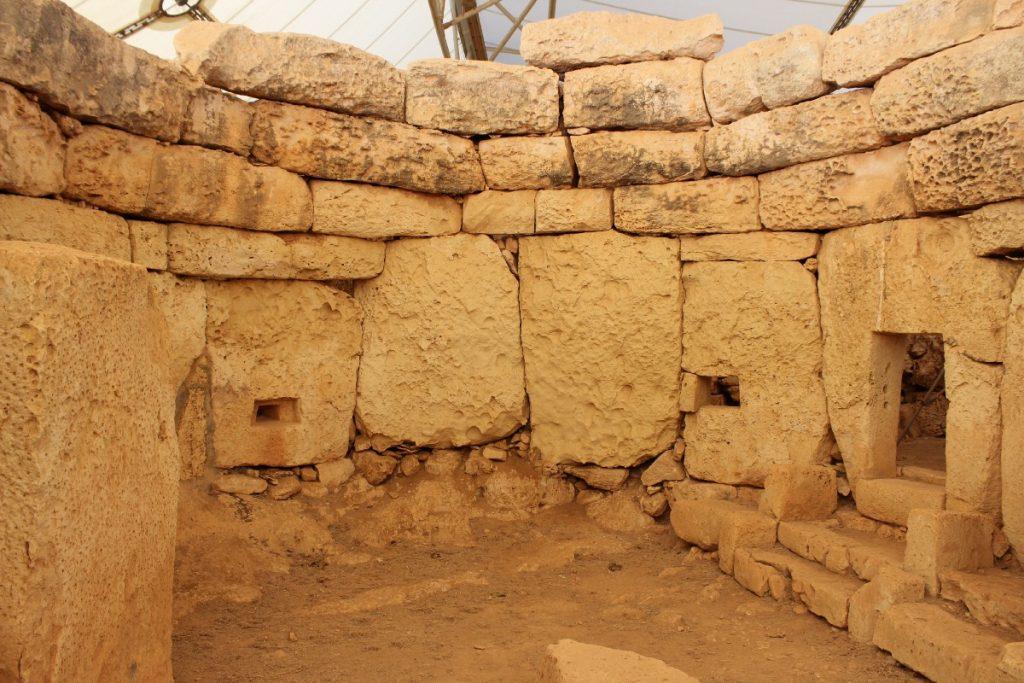 Ngôi đền Ħagar Qim ở Malta